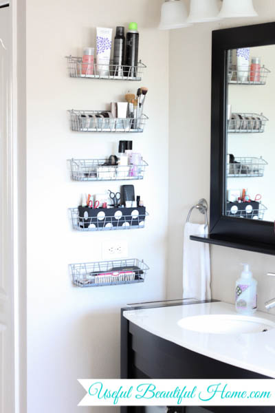 inexpensive and vertical organization in the bathroom