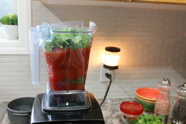 10 Minute Quick & Delicious Blender Salsa at I'm an Organizing Junkie
