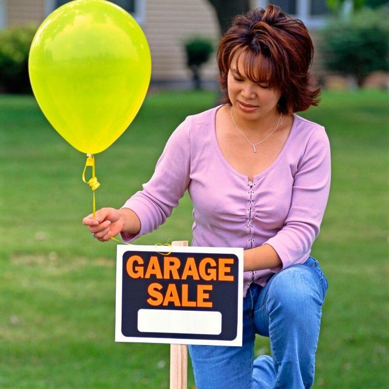 Garage Sale Tips for a Super Successful Garage Sale at I'm an Organizing Junkie blog