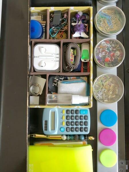 desk organizing
