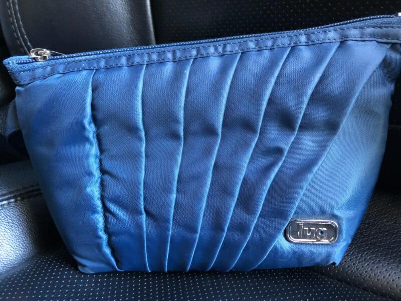 Lug pouch