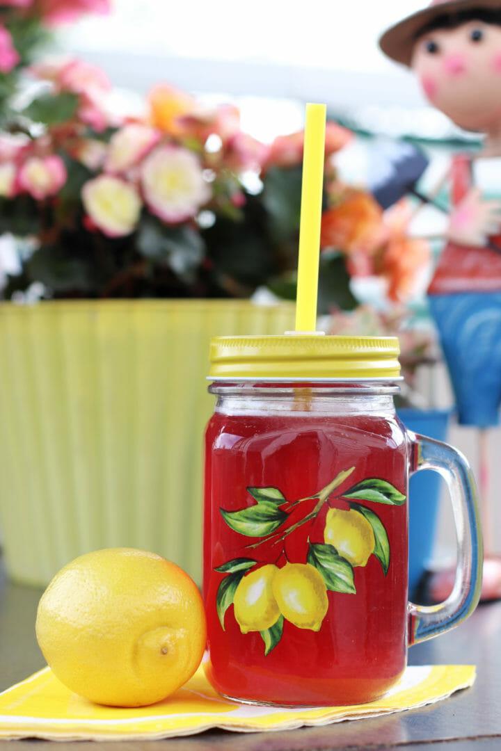 Delicious Sparkling Vanilla Cherry Sugar-Free Lemonade